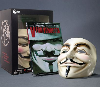 V FOR VENDETTA BOOK AND MASK SET NEW EDITION